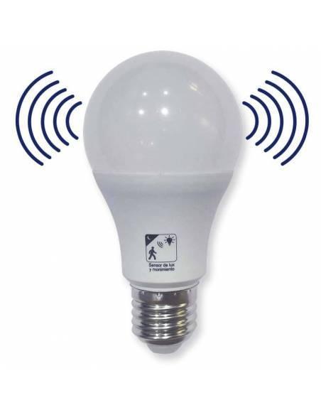 Bombilla led con sensor de movimiento de E27 de 12W. Se activa cuando detecta movimiento.